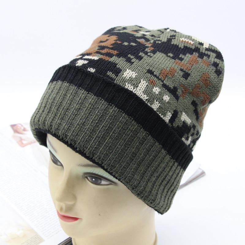 Men's Winter Hat 2018 Camouflage Fashion Knitted Acrylic Warm Beanie Bonnet Skullies Soft Slouchy Fleece Inside Caps LL181049