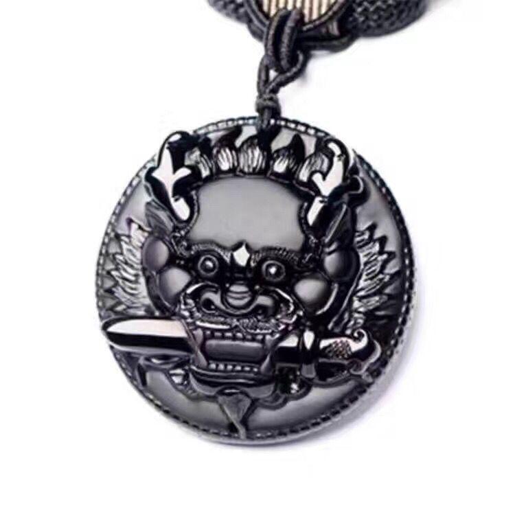 Collier pendentif chanceux en forme de tête de Dragon sculpté à la main en obsidienne noire naturelle