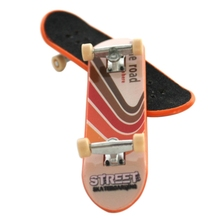 Cute Party Favor Kids children Mini Finger Board Fingerboard Alloy Skate Boarding Toys Gift High Quality 1 Pcs 1 pcs high quality black mahogany made and rose wood fingerboard 1116