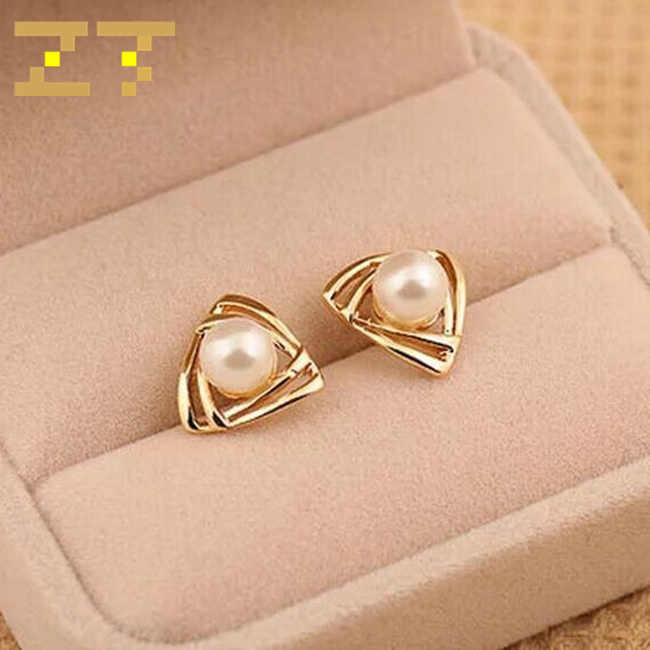 Hot Sale Simulated Pearl Trendy Zinc Alloy Geometric Triangle Gold Color Stud Earring for Office Women Jewelry Brincos Oorbellen