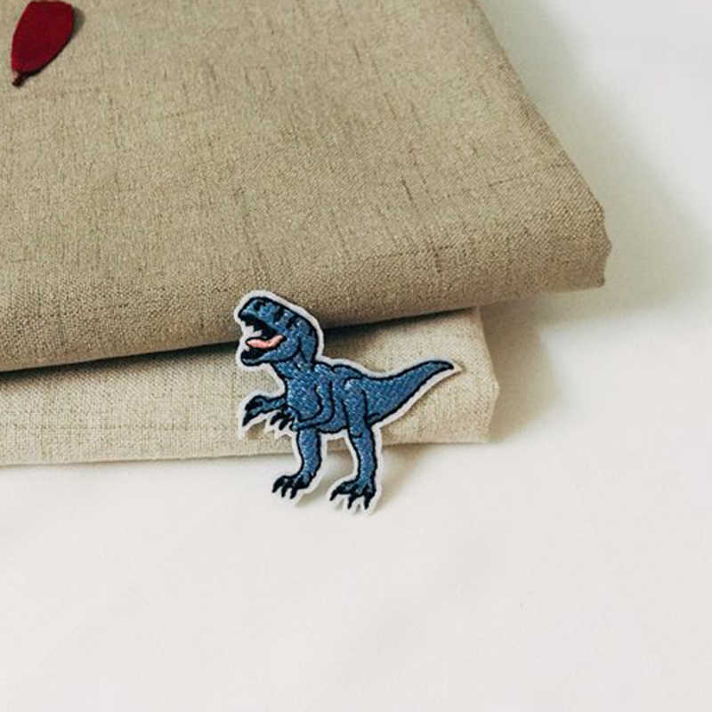 1 Pcs Del Fumetto Blu Dinosauro Ricamato il Ferro sul Toppe e Stemmi per il FAI DA TE Stripes Vestiti Patchwork Personalizzato Autoadesivo Fiori Applique