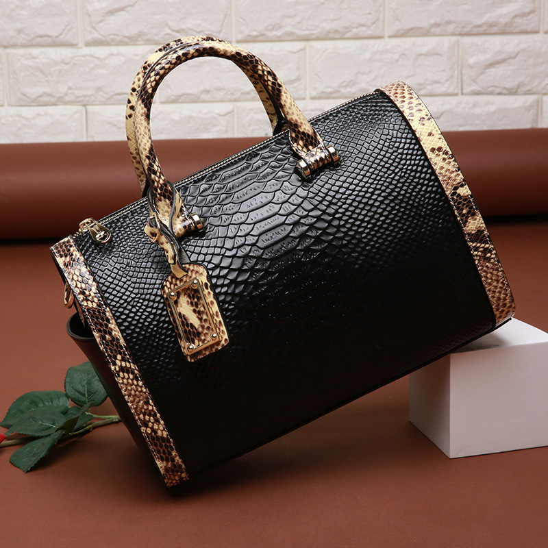 Women Genuine Leather Handbag Famous Brand Boston Bag Messenger Bags Cow Leather Snake Shoulder Bag Fashion Lady Tote Sac A MainWomen Genuine Leather Handbag Famous Brand Boston Bag Messenger Bags Cow Leather Snake Shoulder Bag Fashion Lady Tote Sac A Main