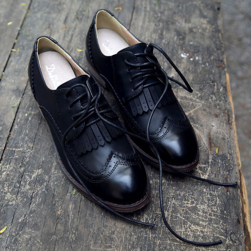 ad47fa461a8 New 2015 Vintage PU Leather Tassel Lace Up Women Oxfords Fashion Carved  Brogue Oxford Shoes For Women Ladies Casual Flat Oxfords-in Women s Flats  from Shoes ...