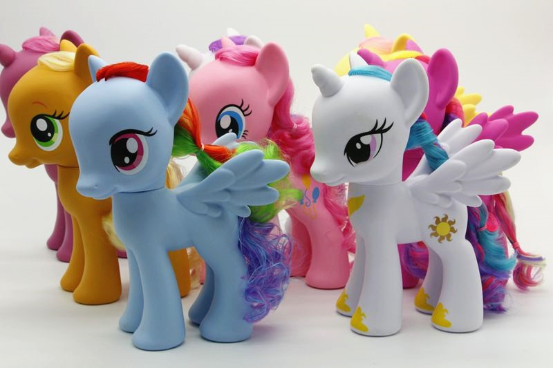 22CM my rainbow horse toys decoration PVC Figures giant Horse Kids Doll colourful model girl's birthday christmas gift цены онлайн