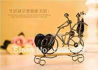Free Shipping Iron Music Box For Girlfriend Lovers Decoration For Wedding Day Home Decoration Musical