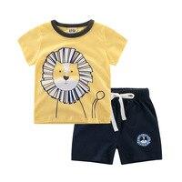 Avrupa ve Amerikan Tarzı Yürüyor Boys Giyim Yarım Kollu Tee Sevimli Aslan Baskı Desen T Shirt & Pamuk Şort Suits