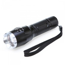 New 2000 Lumen Led Zoomable Focus Flashlight Torch Outdoor Lighting Torch Suitable for most indoor use light