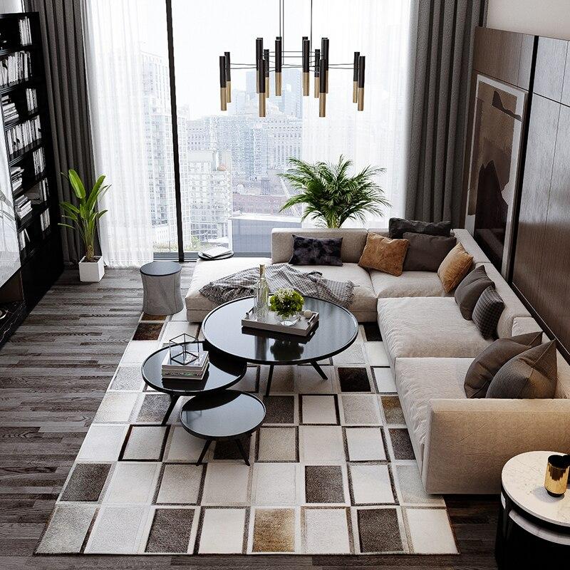 Tapis à carreaux gris patchwork en peau de vache de luxe de style moderne, tapis de salon décoratif en fourrure de vache naturelle