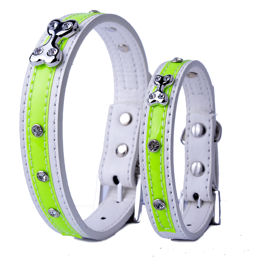 Couro reflexivo personalizado Dog-Collar Rhinestone osso em forma de acessórios Collar para cães pequeno Pet Dog suprimentos