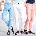 FanZhuan Frete Grátis Novo 2016 dos homens casual moda verão nono fina elástica calças slim doce cor bordado 618018 calças