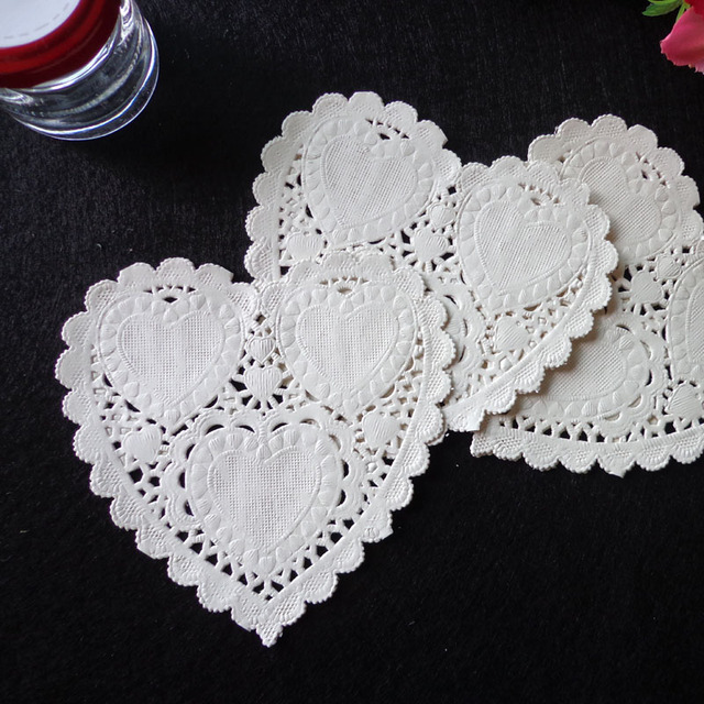 100pcs 4inch 10cm Heart Shape Paper Doilies Party Cake Doyleys Vintage Coasters Placemat Craft Wedding Christmas Table Deco