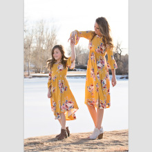 купить matching family outfits mom and daughter dress 2019 summer family matching clothes print dresses boutique women clothing в интернет-магазине