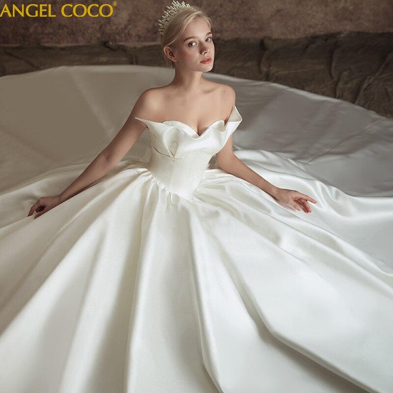 Gorgeous Strapless Luxurious Wedding Dress 2019 Bride Wedding Gown Plus Size French Vintage Bodice Satin Trailing Bridal Dress