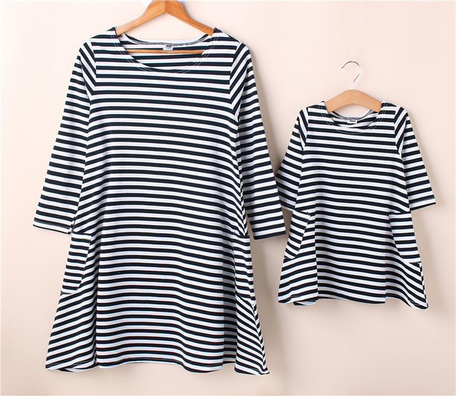 Fashion Family Matching Outfits Summer Mom Daughter Striped Dress Cotton Short Sleeves Mother Girls Braces Skirt SA1307