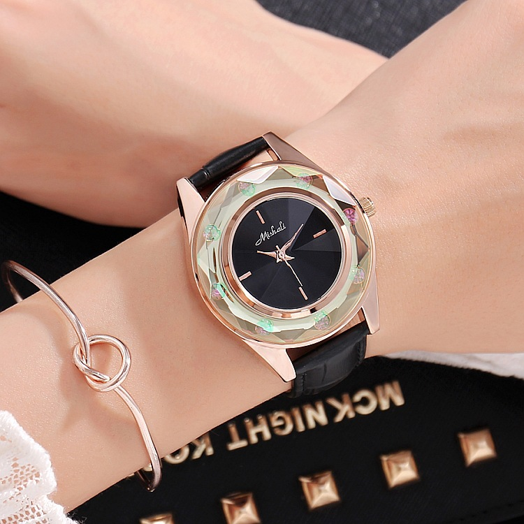 2019 New Crystal Women Quartz Watch Fashion Lady 2 Pieces-set Bracelets Dress Watches Luxury Female Leather Waterproof  Watch2019 New Crystal Women Quartz Watch Fashion Lady 2 Pieces-set Bracelets Dress Watches Luxury Female Leather Waterproof  Watch