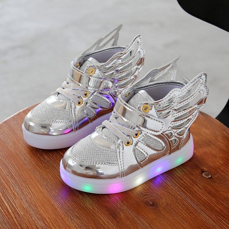 Scarpe per bambini con la luce Nuova Ragazza del Ragazzo Bambino Full LED  fondo Lampeggiante Sneakers Bambini di Modo Con Le Ali Scarpe Sportive 21  30 in ... f7783b55559