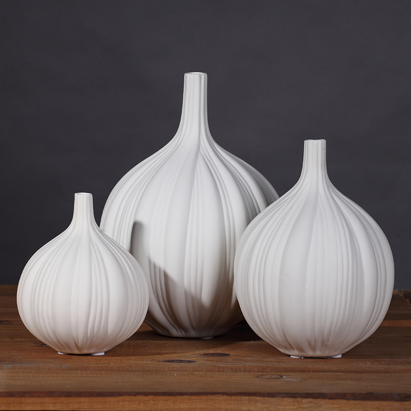 Garlic Shape Vase Home Furnishing Ornaments Modern Minimalist Living Room Cabinet TV Cabinet Entrance Soft Decoration Ceramic