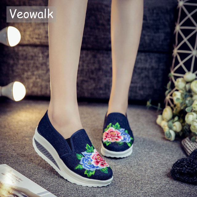 Veowalk Cotton Floral Embroidery Women s Fashion Canvas Flat Platforms Slip  on Ladies Casual Comfort Loafer Shoes Zapatos Mujer ab9158b27db8