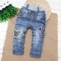 2016 nueva tendencia de ropa de los niños pantalones vaqueros del bebé agujeros Jeans primavera otoño pantalones vaqueros chicos Enfant Garcon niños Jeans rasgados Garcon