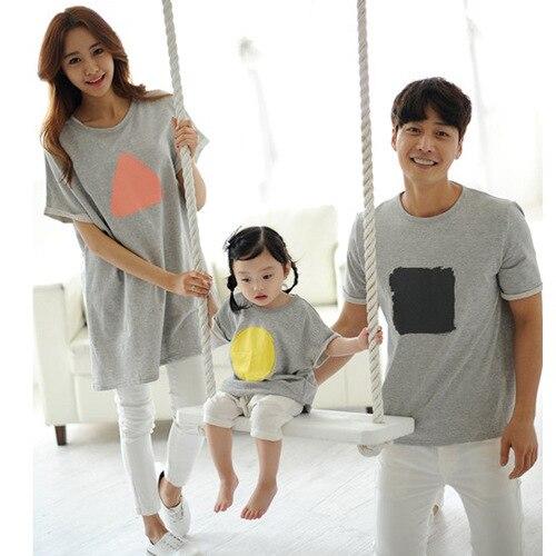a1ac6b27b Camisetas verano mamá y yo hija Padre hijo niños Baby matching familia ropa  familia mirada manga corta