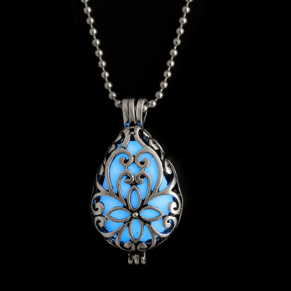 Rinhoo Vintage Glowing Pendant Necklace Glow In The Dark Necklace Blue Light Necklace For Women Girl Gift