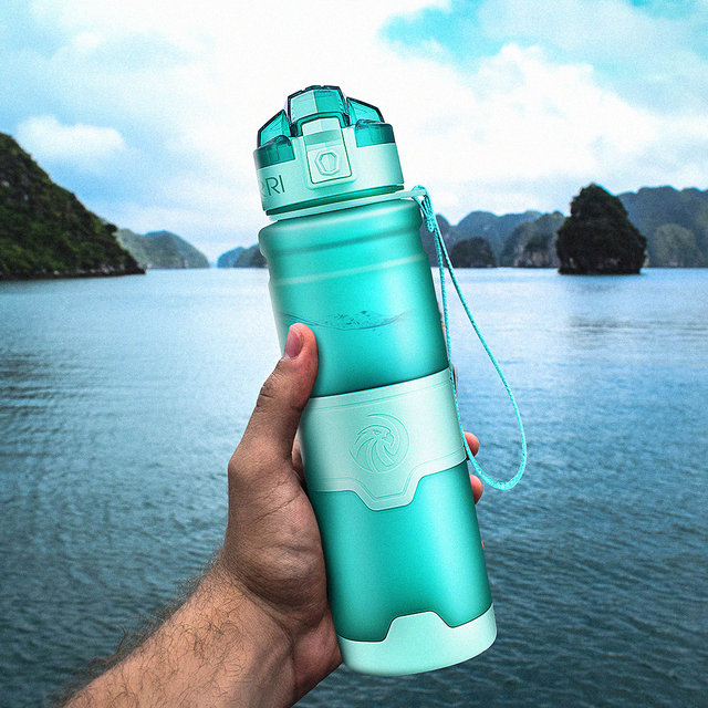 ZORRI מים בקבוק חלבון שאכר נייד תנועת ספורט מים בקבוק Bpa משלוח פלסטיק עבור ספורט קמפינג טיולים גארד 1000 ml