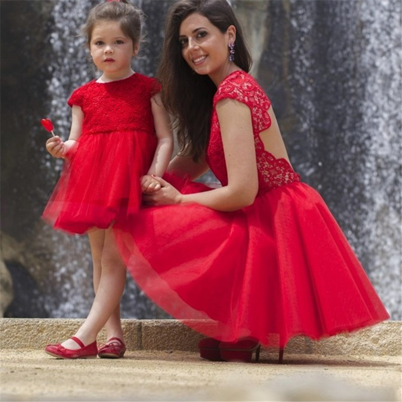 Elegant Red Tulle Mother and Daughter Dresses Cap Sleeves Lace Appliques Short Prom Dress Hollow Back