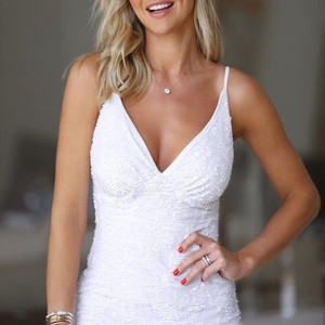 Image 2 - 白スパンコール vestido スリットショートカクテルドレスパーティー卒業女性のセクシーなウェディングローブセミフォーマルドレス
