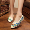 Pointed Toe Peacock Embroidered Women Casual Slip on Canvas Shoes 2017 Elegant Ladies Walking Flats Woman Loafers Zapatos Mujer
