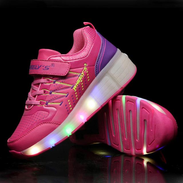 2016 Nova verão Criança Respirável Sapatos Sapatos de Malha de Tênis Com Rodas Roller Skate Sapatos Meninas Menino LEVOU Luz rosa Azul