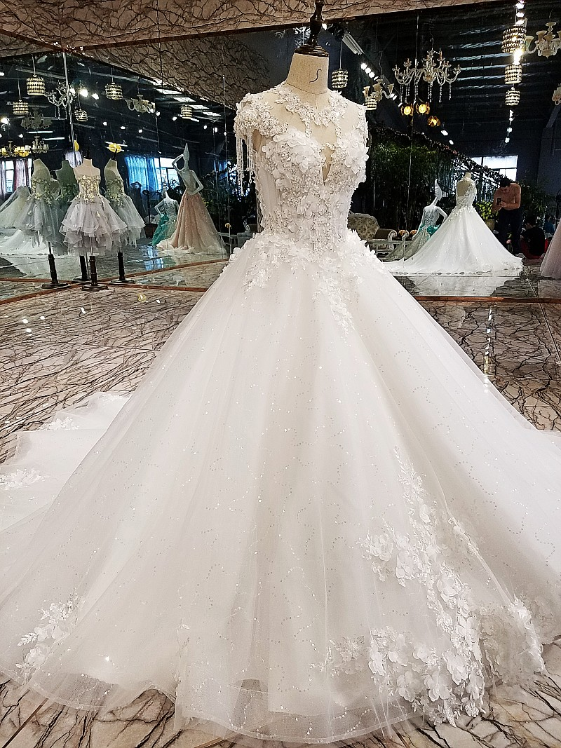 Long Formal Wedding Dresses 2018 Newest A-line 3D Flowers Lace Tulle Beading Crystal Vestidos De Bridal Dress Vestido De Novia