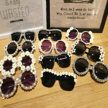 Fashion Design Glasses Eyewears Baroque Luxury Retro Rhinestone Flower Pearl Women Party Beach Cosplay Sunglasses ZA3075