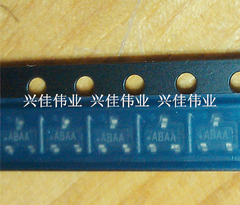 500PCS/LOT New MAX809 MAX809MEUR+T SOT-23 Silk Screen: ABAA Monitor Chip image