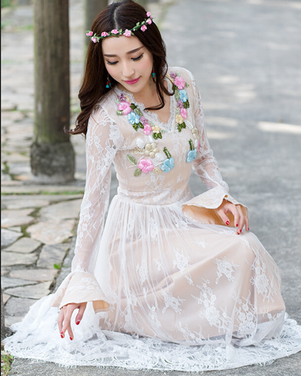2018 new Spring national wind lace stitching Maxi Dress Women Elegant Three-dimensional Embroidery Long Lace Dress wj2501