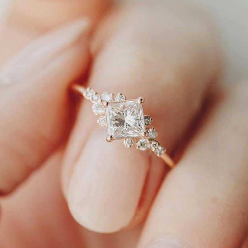 Tisonliz Delicate Crystal Rings For Women Bridal Wedding Rings