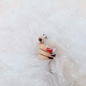 Image 4 - Ins 사진 배경 헝겊 진주 거즈 사진 스튜디오 소품 액세서리 화장품 네일 오일 전화 케이스에 대한 배경 장식