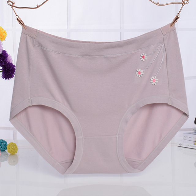 b9f3b813f5c6 KJA278 High Quality Intimates Mid Waist Women's Panties Female Solid Cotton  Knickers Breathable Underpants Briefs Culotte Femme