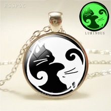 Luminous Yin Yang Cats Glass Cabochon Pendant Necklace 3 Colors Metal Chain Necklaces White & Black Cat Jewelry Glow In The Dark(China)