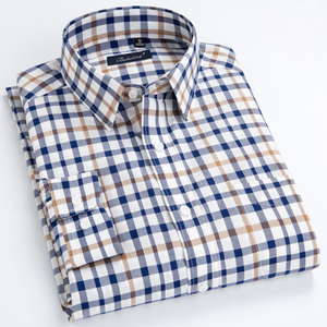 Image 1 - 남성용 발랄한 활력 캐주얼 버튼 다운 체크 무늬 셔츠 싱글 패치 포켓 긴 소매 편안한 스탠다드 피트 코튼 셔츠