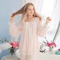 O Envio gratuito de New Outono e Inverno Princesa das Mulheres Calças Pijamas Definir Rosa e Branco Sleepwear Casa Pano Do Laço Do Vintage pijamas