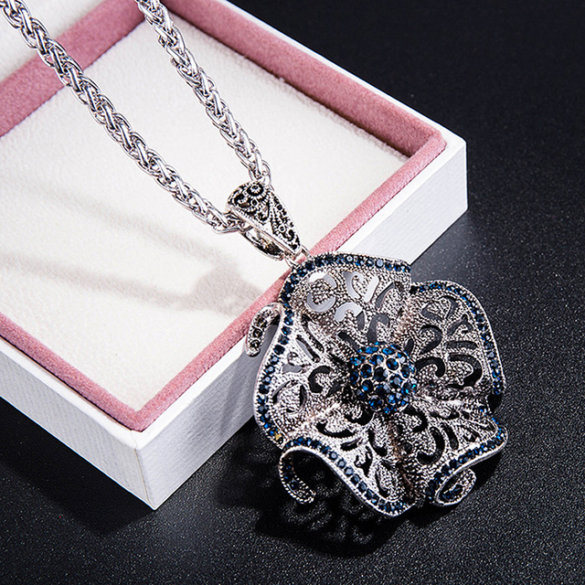 Vintage Black Blue Crystal Flower Drop Necklaces & Pendants For Women Long Necklace Jewelry Dress Sweater Accessories Gifts