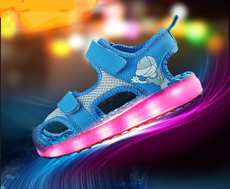 Children LED Garden Shoe for Boys and Girls Fashion Soft Sole Summer Sandal Shoe Girls Sandals