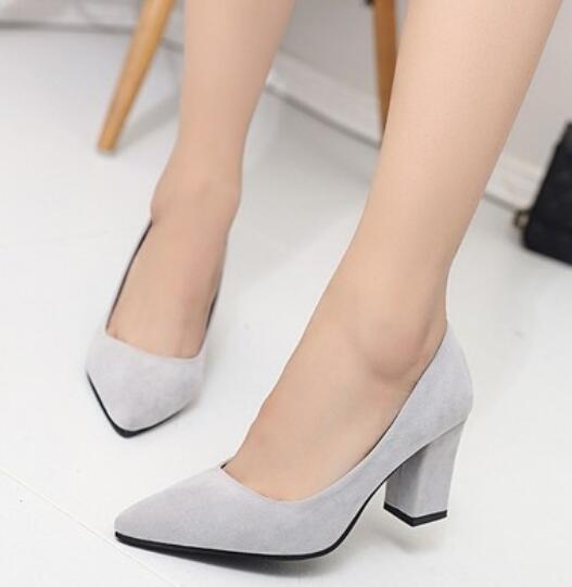 f5bb63e53 Primavera 2019 nova mulheres sapatos de salto alto senhora elegante praça  bomba calcanhar sapatos de Couro escritório sapatos mulher apontou sapatos  únicos ...