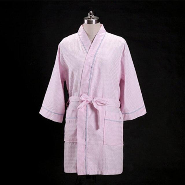 f34b2d6e25a67 1 pcs/lot Amateurs Serviette Coton Robe Hommes Femmes Kimono Gaufre  Peignoir vêtements de Nuit
