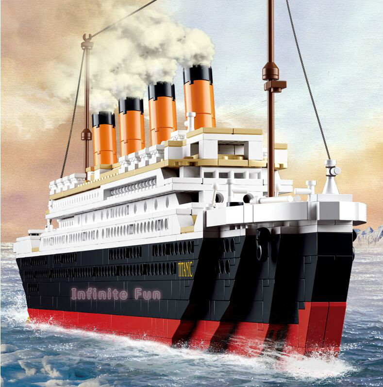 Sluban Building Blocks Toy Cruise Ship RMS Titanic Ship Boat 3D Model Educational Gift Toy for Children Compatible lego 1021PCS