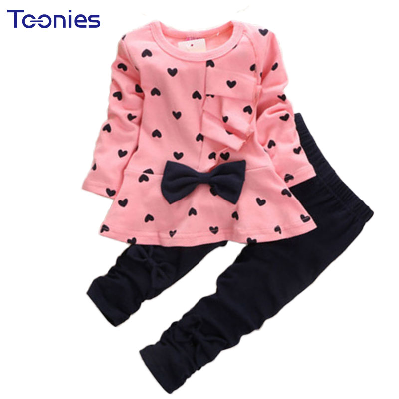 2017 New Arrival Cute Children Cothing Heart Shape Printed Kids Baby Girls Clothes Sets Bow Princess Suit Lovely Conjunto Menina