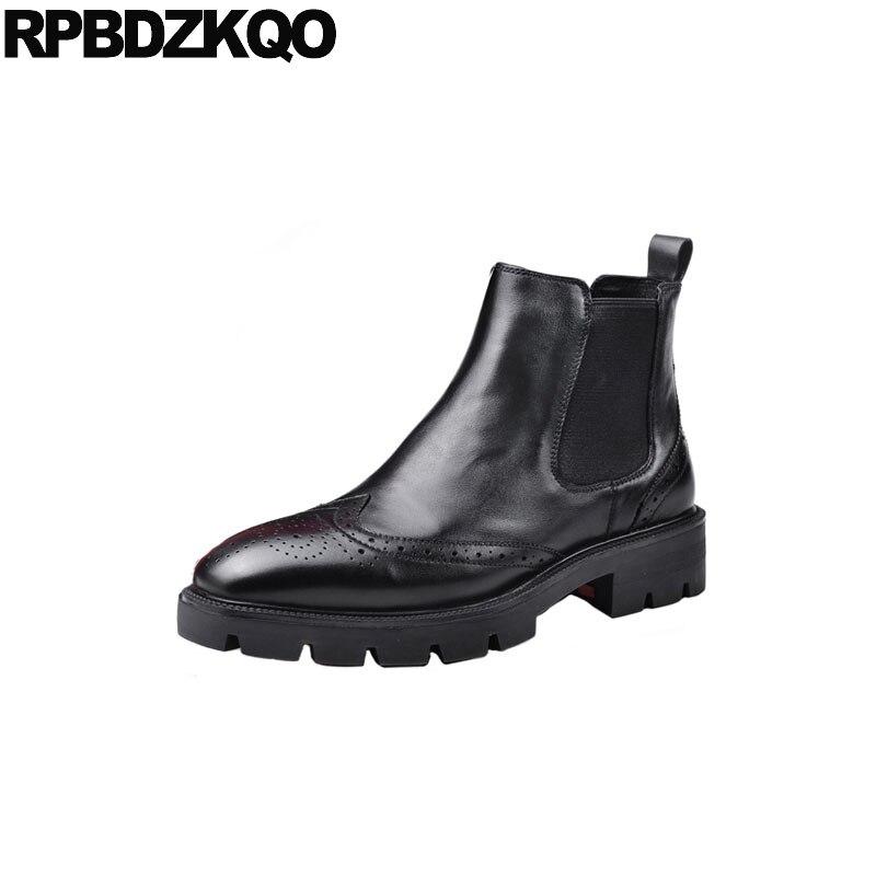 На меховой подкладке; черные мужские туфли с перфорированным носком; обувь с перфорацией типа «броги» 2018 Челси формальные, без шнуровки, с д