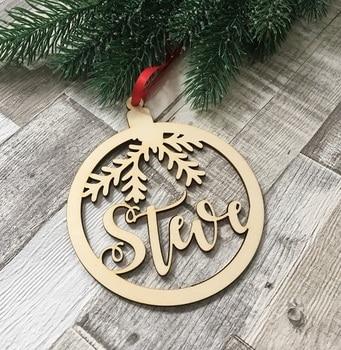 ff2ef487ac1a Nombre personalizado Navidad árbol de Navidad colgante personalizar de  madera adorno ornamento de navidad regalo de la decoración del árbol de  madera ...