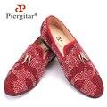 Nuevos zapatos de gamuza hombres de color rojo y negro con borlas de oro y exquisito cristal hombres mocasines los hombres zapatos de vestir de los hombres de la boda y del partido plana