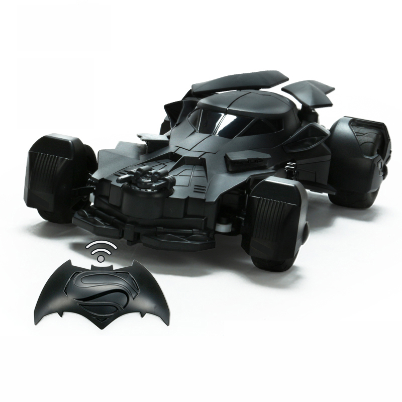 купить Genuine Authorized Gravity Body Sensing Remote Control Batman Chariot Electric Vehicle Model Novelty Toys for Child Adult Gift недорого